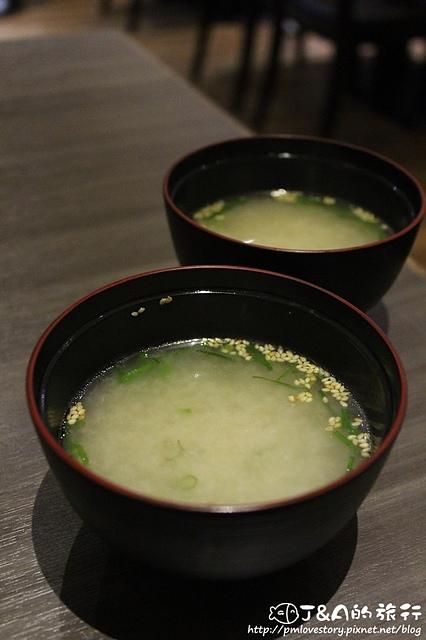 【捷運忠孝復興】手串本舖 串燒–炙燒生雞肉帶給你不同的享受!