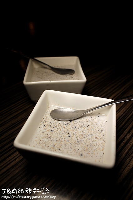 【捷運忠孝敦化】花酒藏 Aplus Dining Sake Bar–酥脆綿密鱈魚地瓜很特別~比目魚鰭邊握香又不油膩!