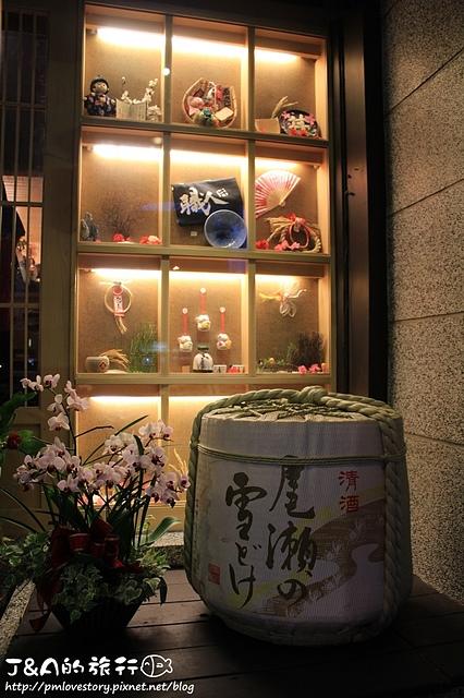 【捷運忠孝敦化】職人燒肉丼店鋪–澎湃的天皇海陸大雙拼,干貝明蝦好好吃~ 東區餐廳