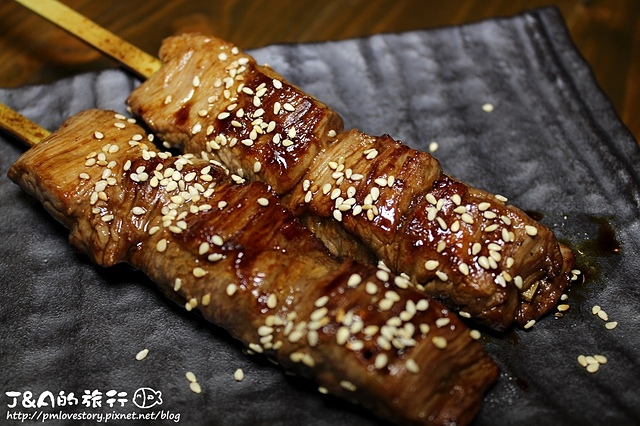 【捷運國父紀念館】拾玖串燒酒場–厚切松阪豬、牛舌好好吃!CP值蠻高的串燒店。