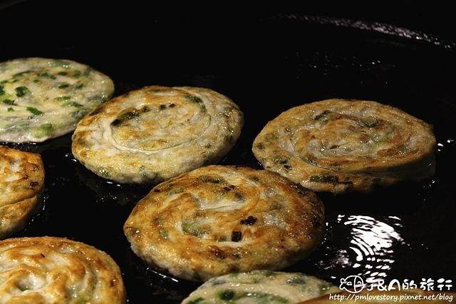 【宜蘭/羅東】義豐蔥油派–熱門排隊美食,香酥脆的蔥油派! 羅東美食