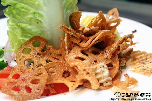 【捷運忠孝敦化】Jimolulu 美式夏威夷餐廳–餐點漂亮有特色~夏威夷主題餐廳。東區商業午餐 捷運忠孝敦化站 東區美食 (文末抽雙人漢堡排餐)