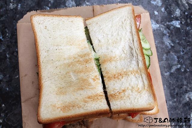 【捷運忠孝新生】 阿姐の店碳烤三明治–爆餡碳烤三明治只要60元唷! 阿姐的店碳烤三明治 光華商場美食