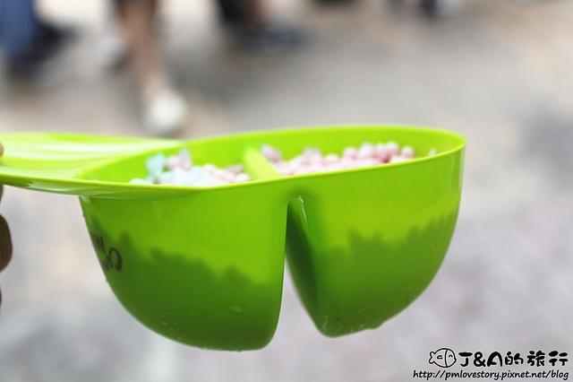 【捷運西門】Mini Melts 粒粒冰淇淋–繽紛彩色粒粒冰淇淋來台灣嚕~ 同場加映美國Dippin' Dots的粒粒冰淇淋心得