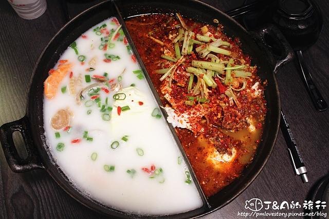 【捷運忠孝復興】川巴子火鍋樓–火鍋也可以吃乾的?東區特色火鍋吃到飽