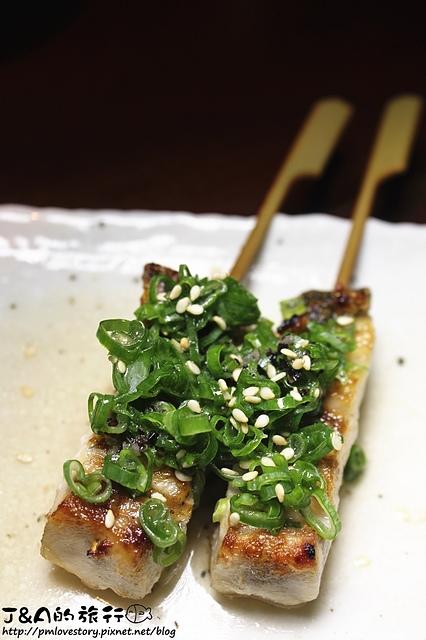 【捷運國父紀念館】漁串場 海鮮串燒居酒屋–海鮮串燒清爽不膩,巨虎蝦彈牙鮮甜。