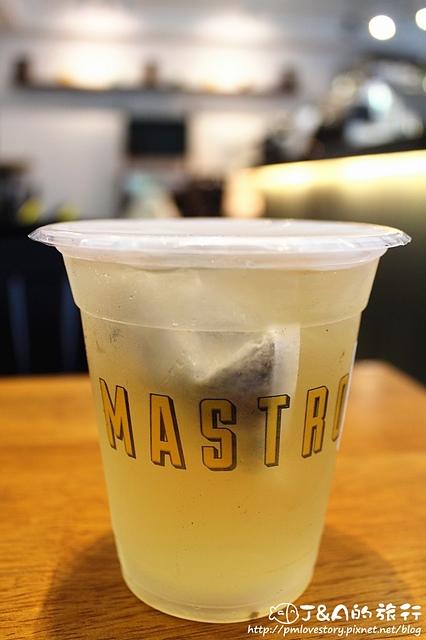 【捷運南京復興】Coffee Please By Mastro (Mastro Cafe)–漂亮舒芙蕾鬆餅.高CP值骰子牛沙拉.酒漬牛排各有特色~ 捷運南京東路 美食餐廳