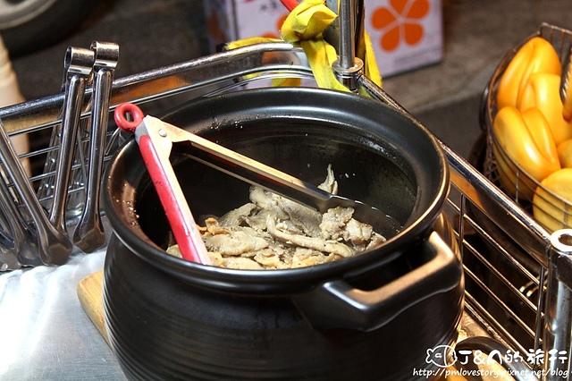 【宜蘭/冬山】黃金燒肉刈包–清溝夜市必吃炸刈包,大份量酥香燒肉刈包,料好豐富!