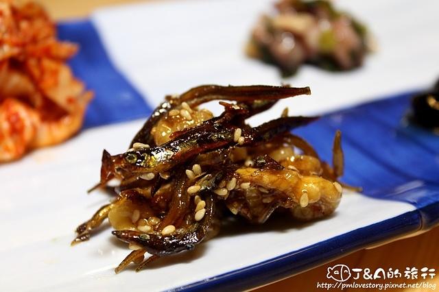 【捷運忠孝敦化】IRORI 日式新食 甲州葡萄酒–散壽司二重奏、泡菜包生魚沙拉好特別! 東區餐廳 東區美食