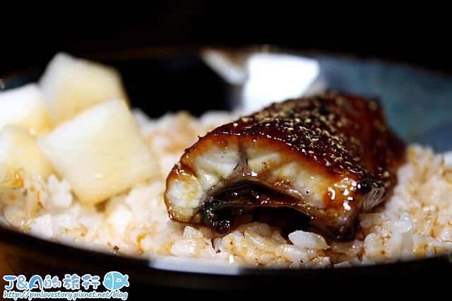 【捷運忠孝敦化】川賀燒烤居酒屋–東區聚餐餐廳推薦,鰻魚飯只要160元、奶油螃蟹1蟹2吃好滿足,牽絲芋頭球也很好吃唷~