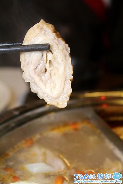 【捷運板橋車站】京宴屋溫體牛肉吃到飽–牛肉燥飯鹹香涮嘴,溫體牛肉火鍋吃到飽。板橋溫體牛吃到飽 溫體牛火鍋吃到飽 京宴屋溫體牛吃到飽