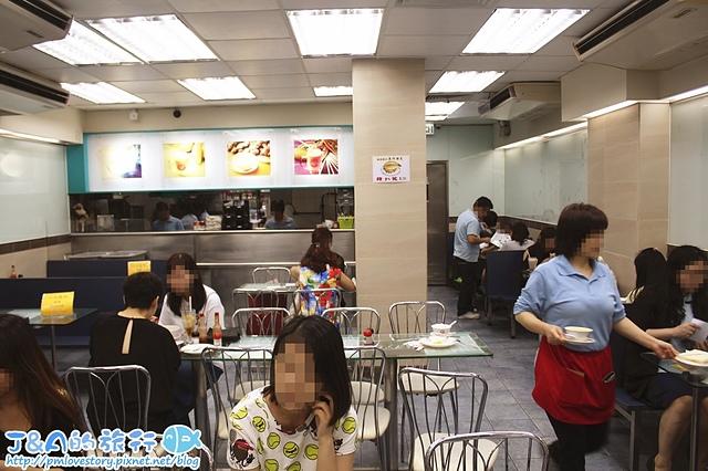 【香港自由行/香港銅鑼灣美食】港澳義順牛奶公司 Yee Shun Dairy Company–必點雙皮燉奶,餐蛋豬仔飽鹹香涮嘴。香港必吃美食/香港美食/香港雙皮燉奶推薦