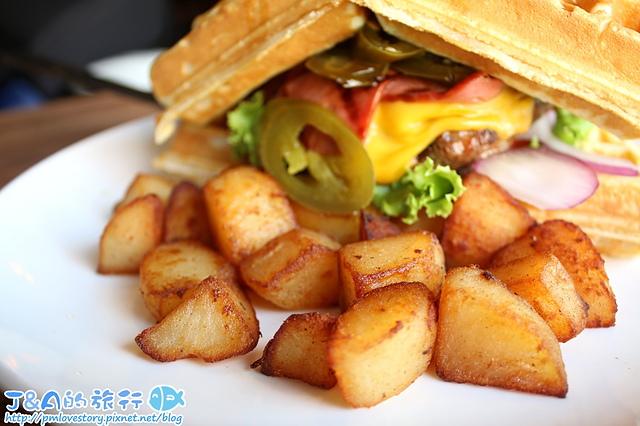 【捷運公館】Hater Cafe–大份量三杯雞腿義大利麵.鬆餅漢堡也很有創意! 公館大份量美食 公館餐廳 台大美食 學生聚餐餐廳推薦