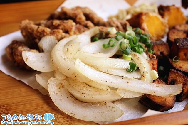 【台南中西區】炸去啃 Fried Go Eat (台南永福店)–可內用工業主題鹽酥雞店價格一樣平價!還有海鮮丼、雞肉丼、懷舊與異國炸物拼盤。 台南美食/台南小吃/中西區小吃/中西區美食