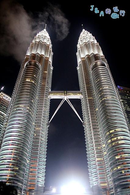 【馬來西亞旅遊❤吉隆坡一日遊景點】吉隆坡雙峰塔 Petronas Twin Towers(雙子星大樓/KLCC)