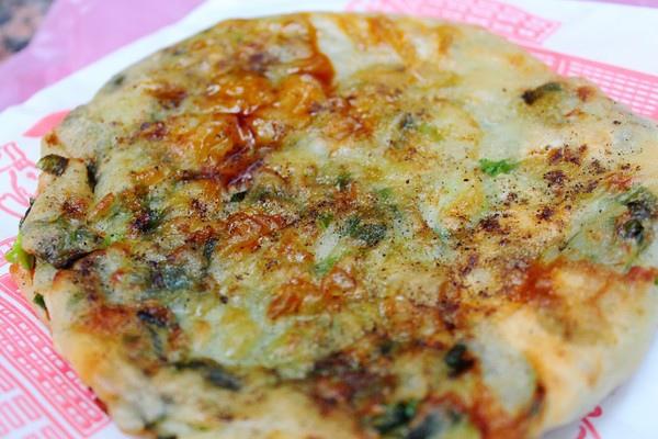 【台北車站】蔥蔥蔥宜蘭三星蔥油派–人氣美食就在南陽街
