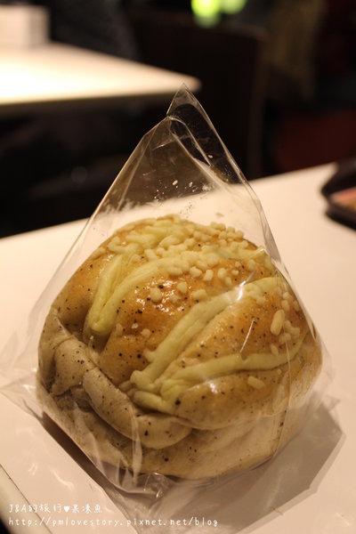 【捷運忠孝敦化】elite deli–將珍珠奶茶包入麵包裡?