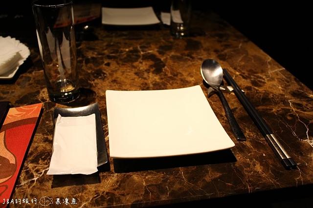 【捷運忠孝敦化】川。譜 渝派四川美饌–帶有時尚低調風格的川菜饗宴,另有吃到飽可以選唷!
