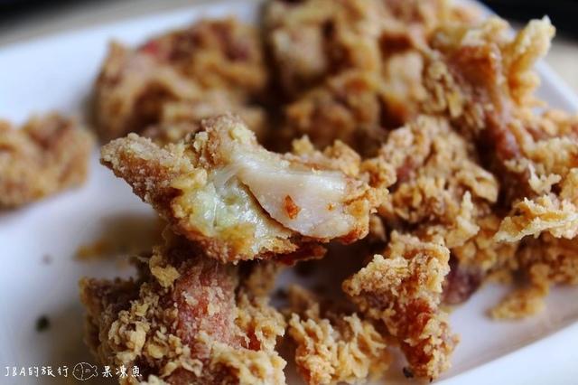 【捷運西門】鮮五丼丼飯專賣店–軟嫩牛五花搭滑嫩蛋黃等於平價的美味!!