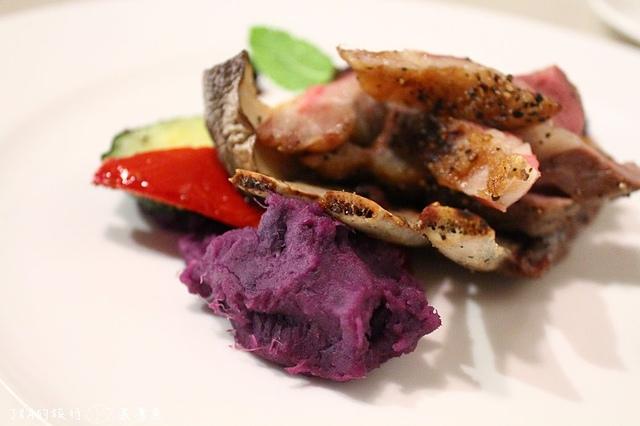 【捷運忠孝復興】Indulge 實驗創新餐酒館–精緻料理,超美味牛臉頰肉!!