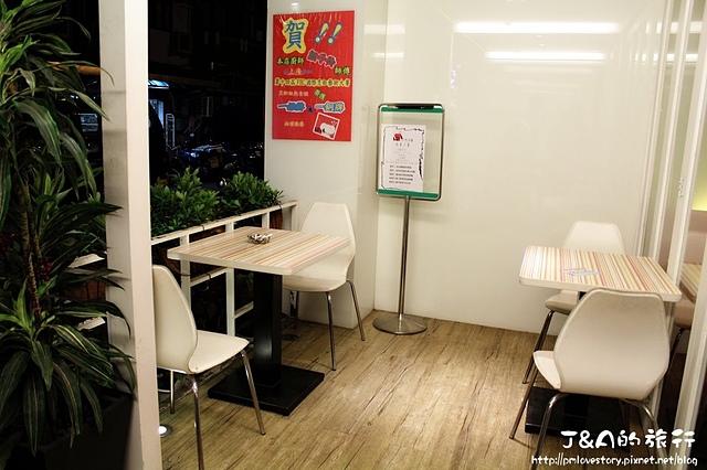 【捷運國父紀念館】LIVE 饗樂 Pasta&Cafe–樂高主題餐廳,東區平價義大利麵!